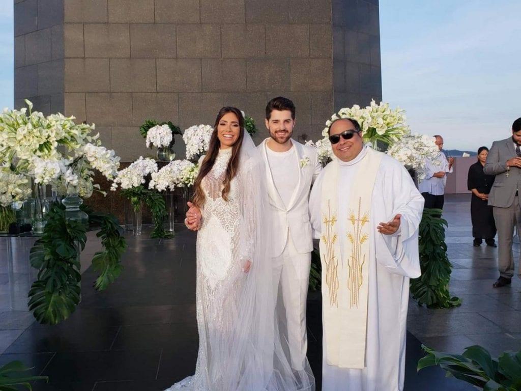be9e0aa84 O pedido de casamento foi feito em julho do ano passado, durante uma viagem  à Grécia. Alguns meses antes, em maio, eles revelaram também que Romana  estava ...